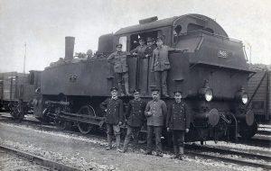 Reichsbahner vor Dampflok