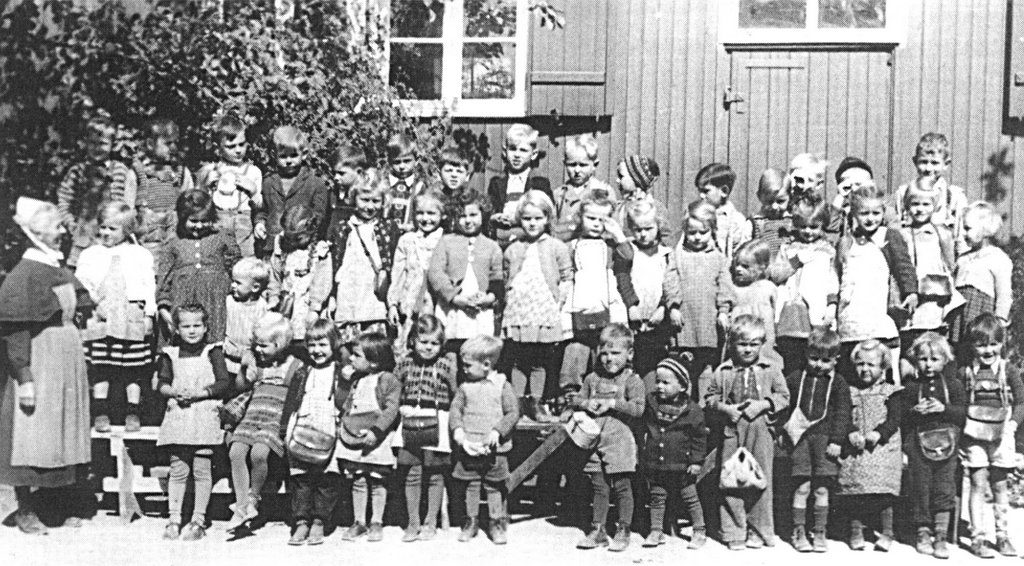 Kindergarten-Gruppe um 1950