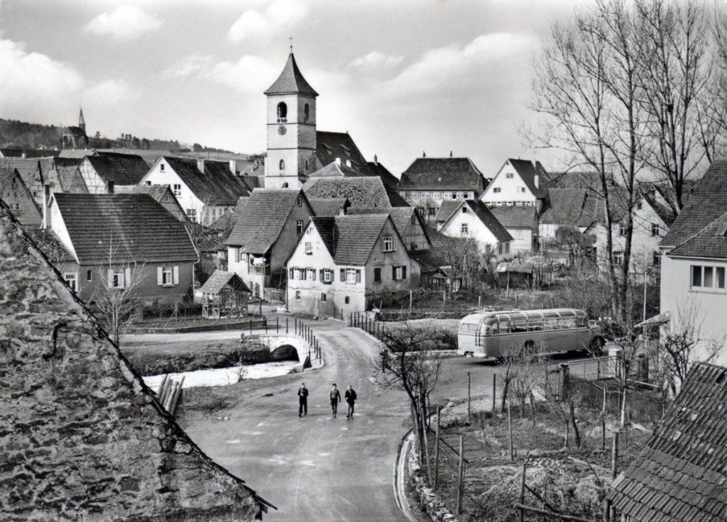 Glemsbrücke und Kirche
