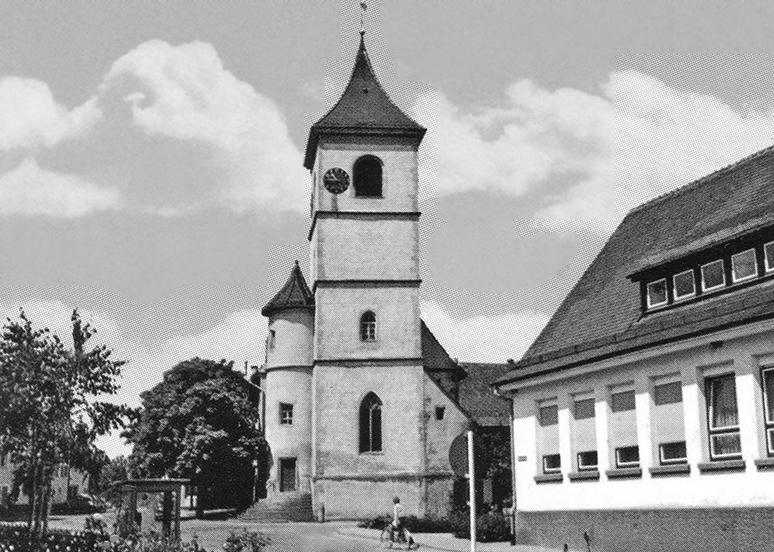 Dorfkirche und Rathaus