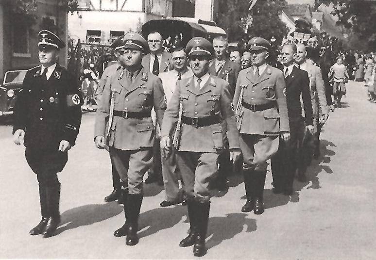 Nazis Festzug