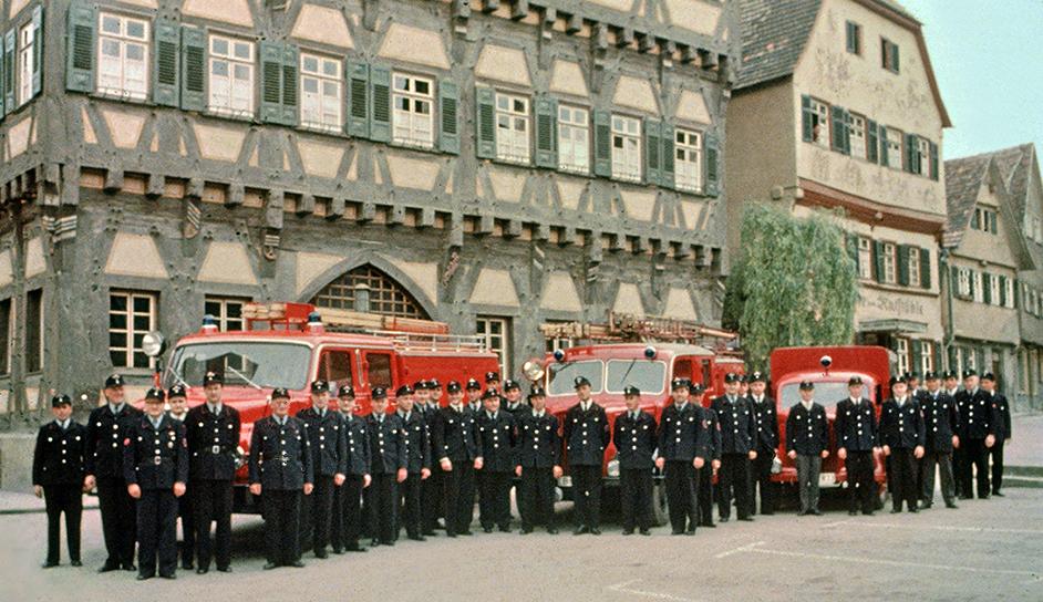 Feuerwehr vor Rathaus