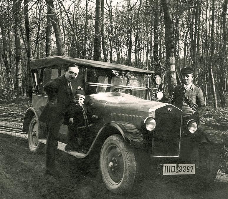 Karl Näher mit NSU-Cabrio