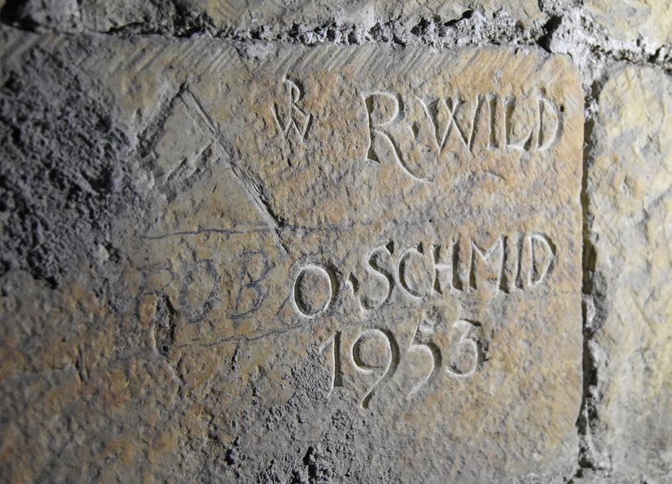 Bauinschrift von 1953