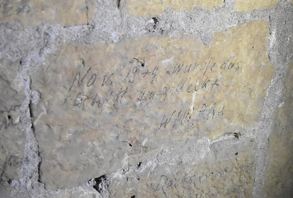 Bauinschrift von 1974